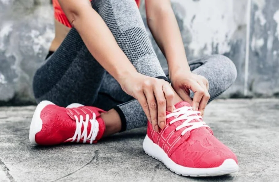 benefits of wearing sneakers